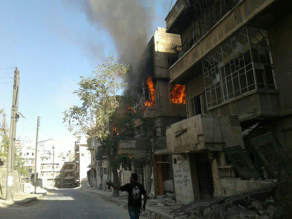 حلب : 17 شهيداً بغارات للطيران الحربي على أحياء المدينة والريف