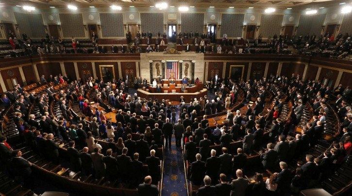 الكونغرس الأميركي يقر تمديد العقوبات على إيران