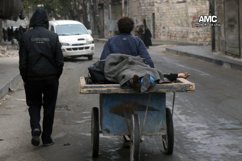 رايتس ووتش تتهم نظام الأسد وروسيا بارتكاب جرائم حرب في حلب، وتطالب بمحاكمة المسؤولين