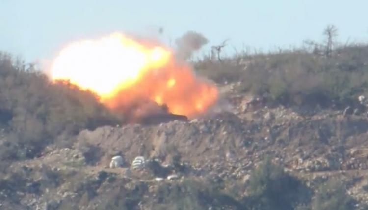 الثوار يدمرون مدفعا للنظام على محور تلة غزالة بجبل الأكراد في ريف اللاذقية