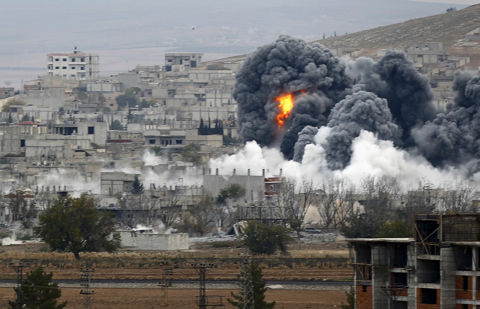 الجيش الأمريكي يقر بمقتل 54 مدنياً بضربات جوية في سوريا  والعراق