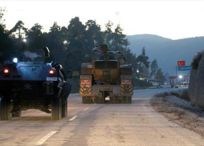 تركيا ترسل تعزيزات عسكرية جديدة إلى وحداتها المتواجدة على الحدود السورية