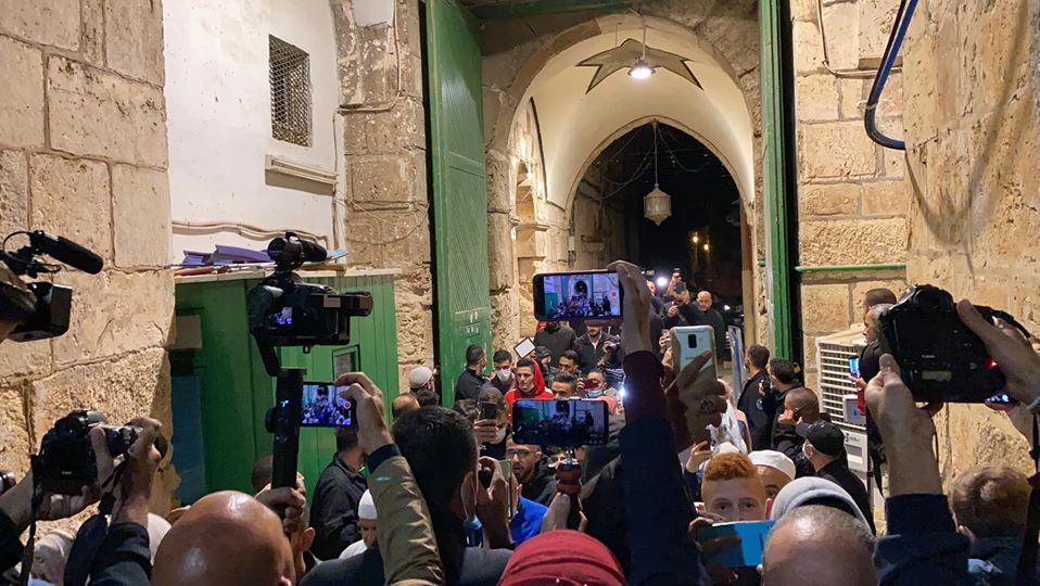 افتتاح مسجد الأقصى المبارك بعد 70 يوما من إغلاقه (فيديو ...